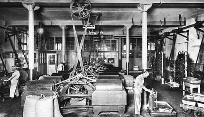 リンツ 工場 初期